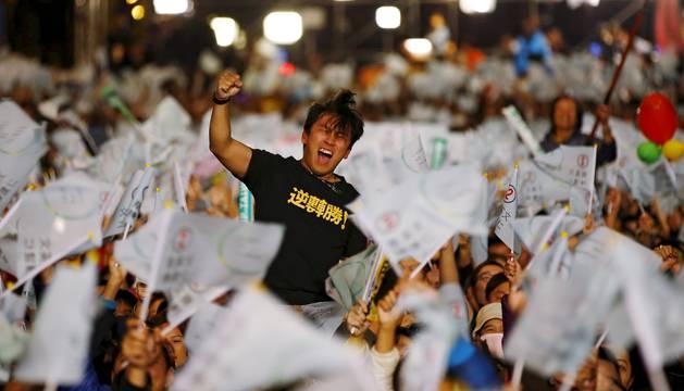 Taiwán busca un camino propio de cambio sin contrariar a China