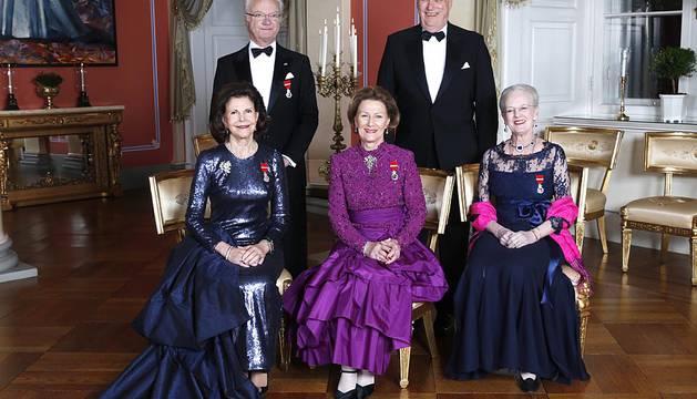 25 aniversario de la llegada al trono de los reyes noruegos