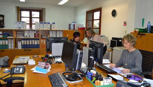 Trabajadoras de las oficinas municipales de Lodosa.