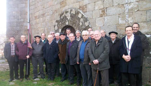 Asistentes a la cita del domingo celebrada por la Cofradía de San Antón de Iturmendi.