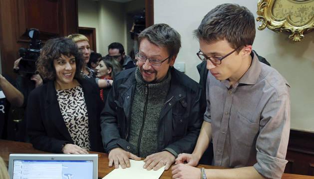 Íñigo Errejón, Alexandra Fernández y Xavier Domènech presentan su grupo parlamentario.