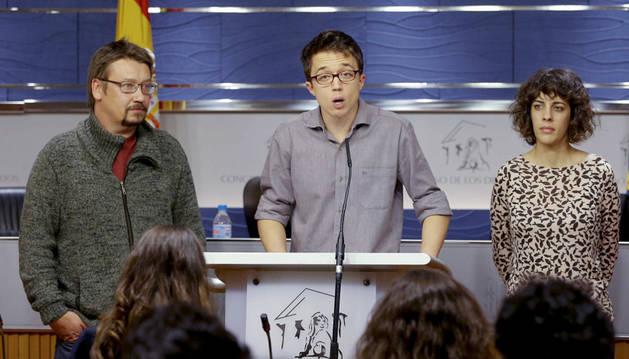 Íñigo Errejón durante la rueda de prensa ofrecida para explicar el acuerdo para formar los grupos en el Congreso.
