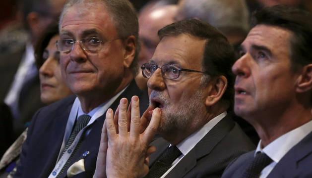 Mariano Rajoy, en el centro.