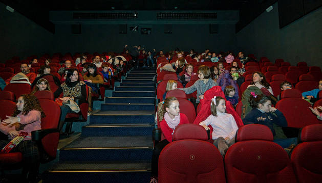 Tarde de cine para niños durante la pasada Navidad en Estella.