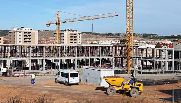 Viviendas en construcción en Tudela.