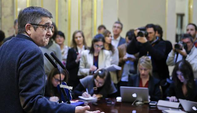 Patxi López, durante la rueda de prensa posterior a la reunión de la Mesa del Congreso.