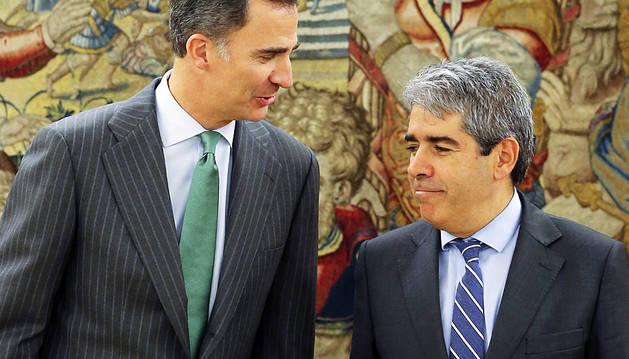 Felipe VI y Francesc Homs.