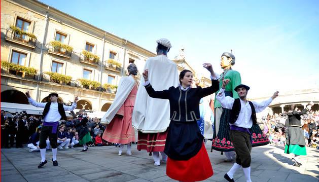 Tafalla honra a San Sebastián por encima de polémicas