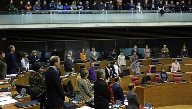 El Parlamento recuerda a Victoria Arraiza en el aniversario de su muerte