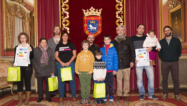 El Ayuntamiento entrega los premios del sorteo 'Eco-Families'