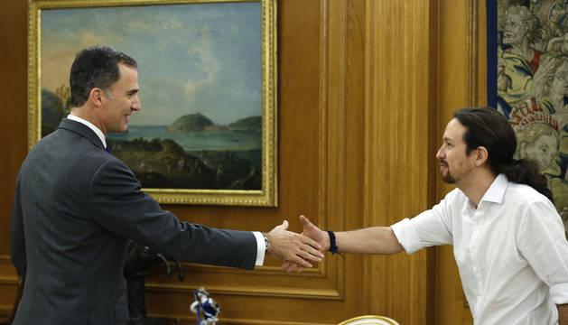 Iglesias acude por primera vez a Zarzuela para reunirse con el Rey