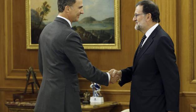 Rajoy comunica al Rey su deseo de ser candidato a la investidura
