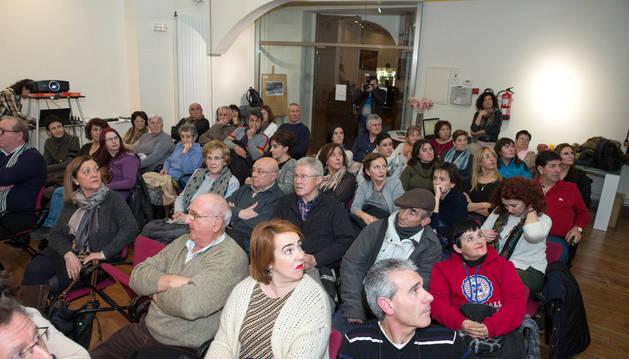 Arguedas recopila su pasado reciente gracias a los recuerdos de 26 vecinos
