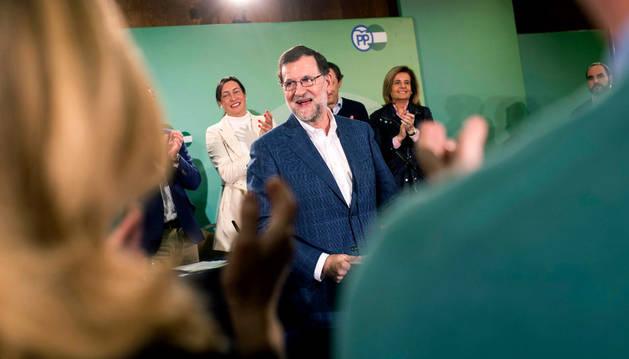 Mariano Rajoy es apaludido durante la reunión de la Junta Directiva del PP de Córdoba.