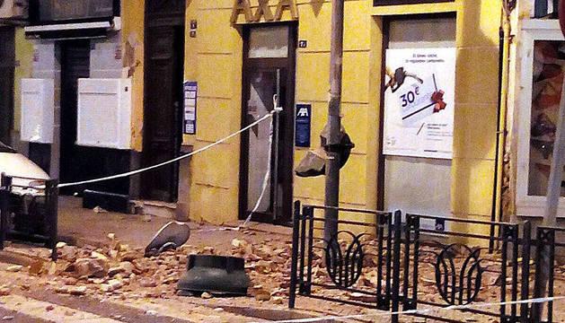 Aspecto de un inmueble afectado por el terremoto en Melilla.