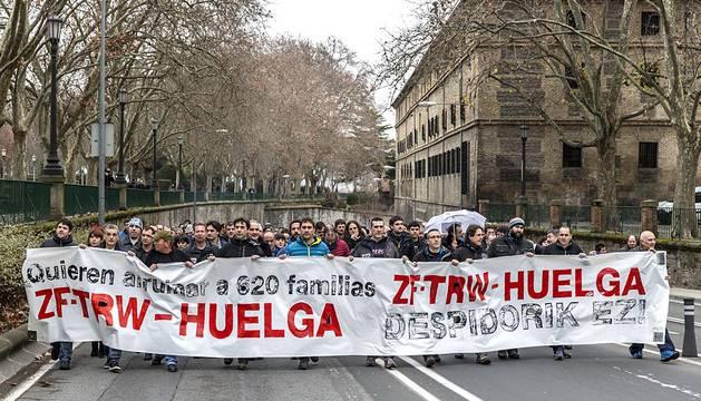 Manifestación por los despidos anunciados en TRW