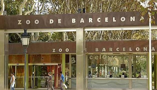 Entrada al zoo de Barcelona.