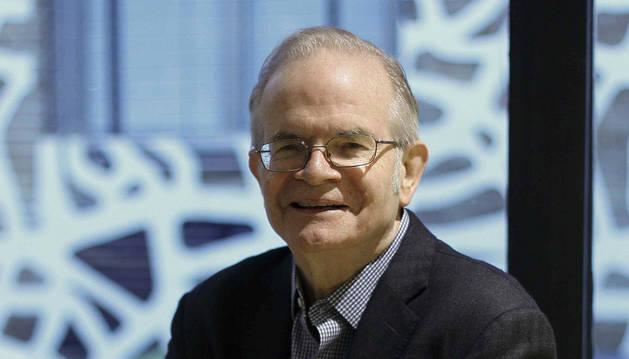 Paul Steiger, fundador de ProPublica, ofrece una conferencia en la UNAV