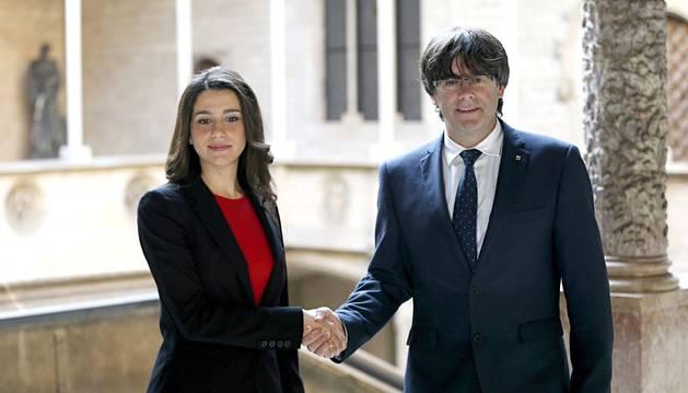 Puigdemont ofrece a C's diálogo y pactos pese a las discrepancias