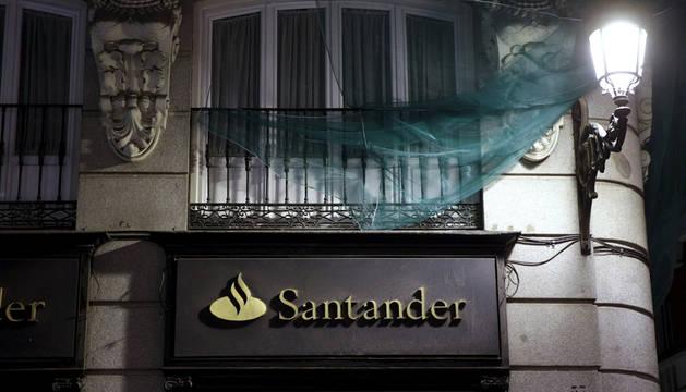 El Banco Santander ganó en 2015 5.966 millones de euros, un 3% más