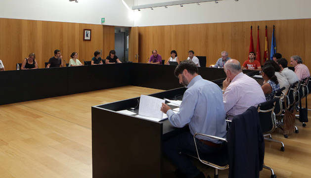 Imagen de archivo de un pleno del Ayuntamiento del Valle de Egüés.