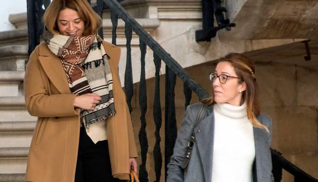 Las magistradas de la Audiencia de Palma Samantha Romero (i), Rocío Martín (d) y Eleonor Moyá han dictado el auto en el que avalan la legitimidad de Manos Limpias.