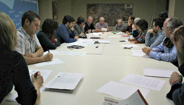 Imagen de la reunión que se celebró el pasado jueves en el Ayuntamiento de Tudela.