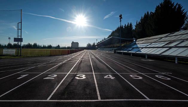 Punto de salida de las seis calles de la pista vianesa de atletismo.