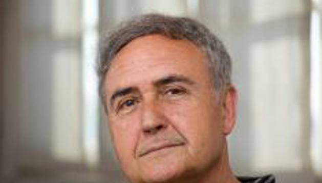 Molina Foix reúne sus ensayos sobre escritores