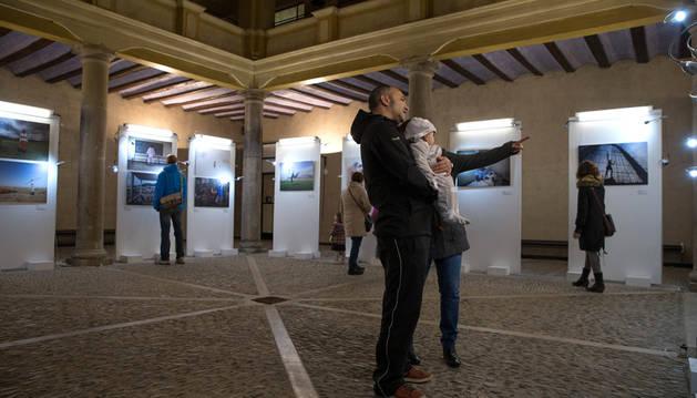 Exposición benéfica de Mercedes Blasco en la UNED de Tudela