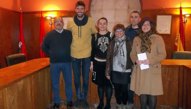Macario Jarauta, Rubén Fernández , Lara Bartos, Alicia Jarauta, Roberto Trincado y Tere Jarauta.