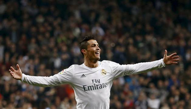 Cristiano celebra uno de sus tres goles.