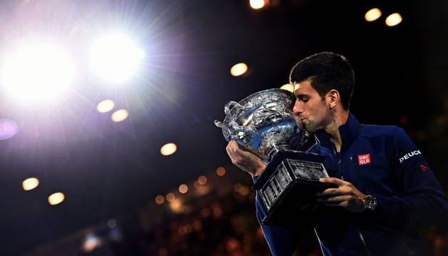 Djokovic, con su título de Australia.