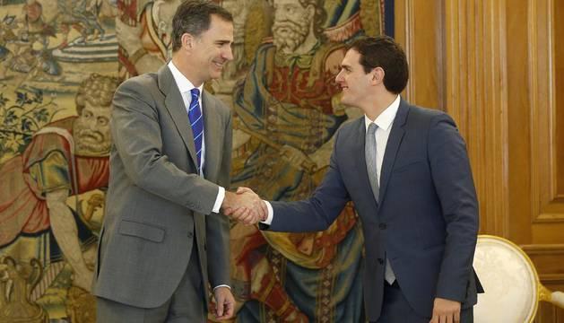Rivera vuelve a hablar con el Rey del escenario político once días después