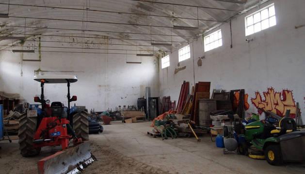 Aspecto interior de una de las dos naves de la antigua conservera de Cáseda.