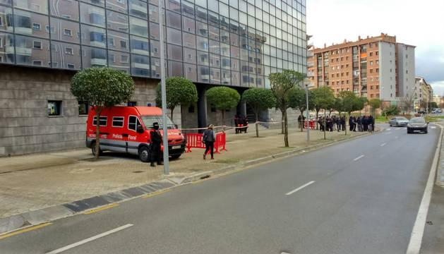 Los Indar Gorri detenidos llegan al Palacio de Justicia para declarar