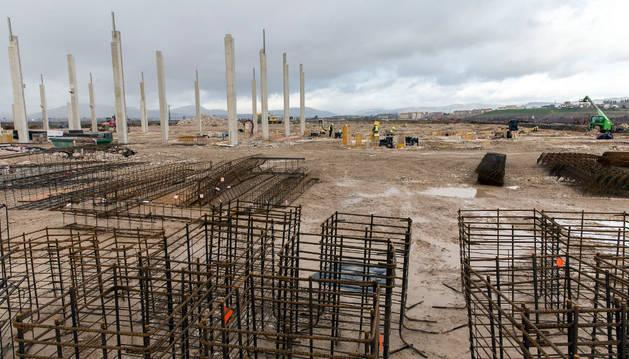 Vista de la parcela en obras para construir las instalaciones del proyecto de industria cárnica.