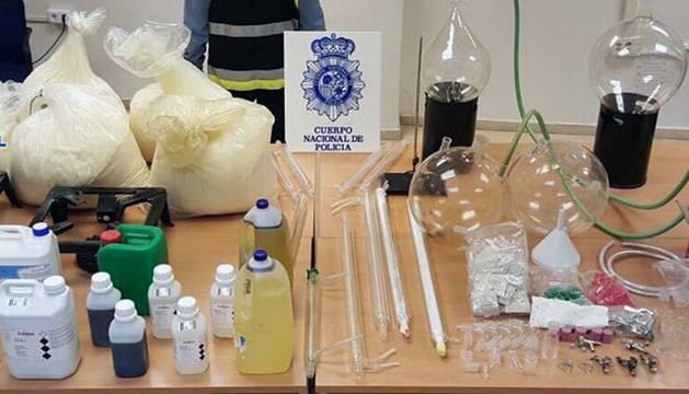 Laboratorio de elaboración de drogas sintéticas en una casa rural de la provincia de Alicante.