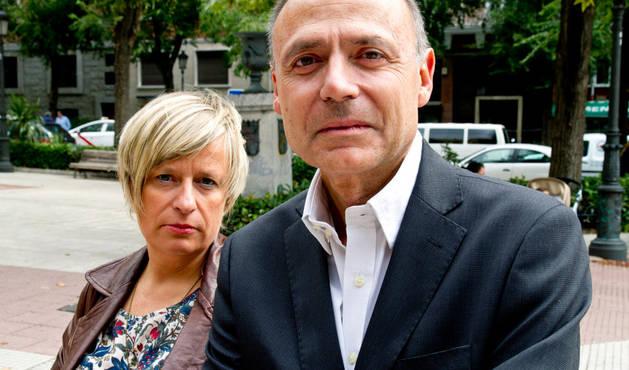 Los escritores Vicente Garrido y Nieves Abarca.