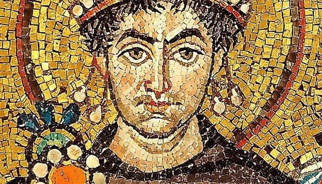 El emperador Justiniano en la iglesia de San Vital de Rávena.
