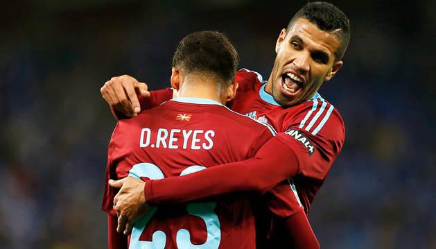 Jonathas y Diego Reyes celebran el cuarto gol al Espanyol.