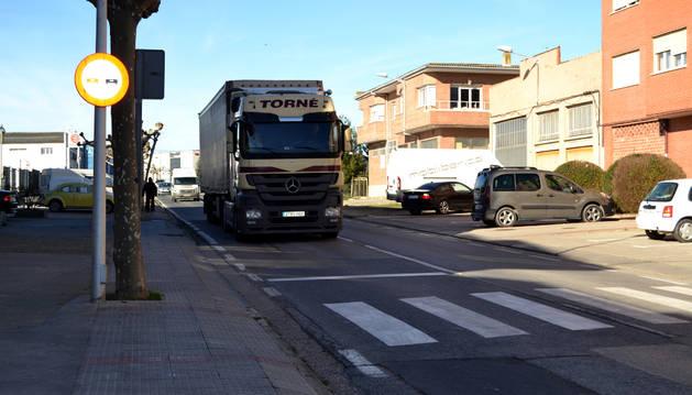 La avenida de Navarra está  limitada a 50 km/hora y en la parte central a 40 km/hora.