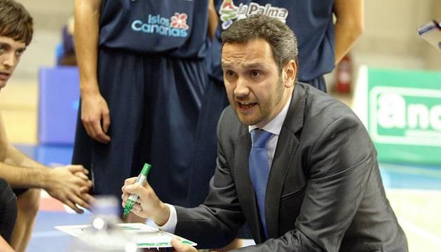 Carlos Frade.