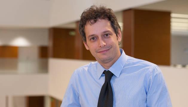 El nuevo director del Instituto de Lengua y Cultura Española, Eduardo Negueruela-Azarola.