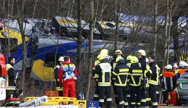 Al menos cuatro muertos y 150 heridos en un choque de trenes en Alemania