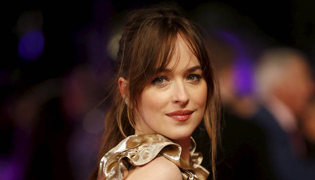La actriz Dakota Johnson en la premiere europea de 'Mejor... solteras'.
