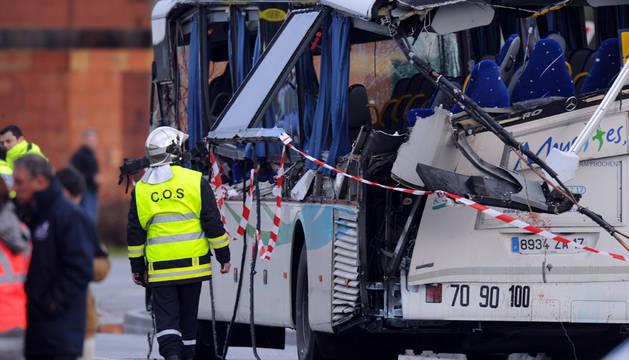 Seis adolescentes mueren en Francia en el accidente de un bus escolar