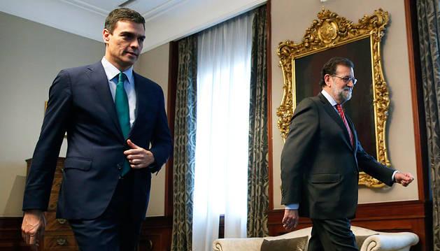 Rajoy y Sánchez, a su llegada a la reunión en el Congreso.