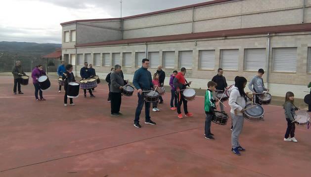 La cofradía de la Cruz a Cuestas ya tiene banda