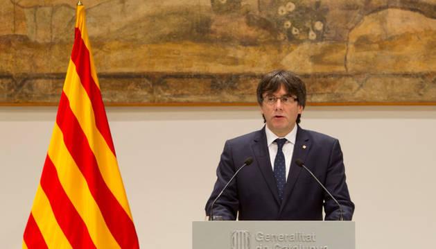Carles Puigdemont durante la declaración institucional para valorar la figura de Muriel Casals.